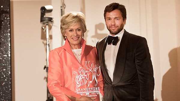 Gramophone Awards Dame Kiri Te Kanawa awarded Lifetime Achievement Award by Julian Ovenden at Gramophone Awards 2017. Photo by Benjamin Ealovega