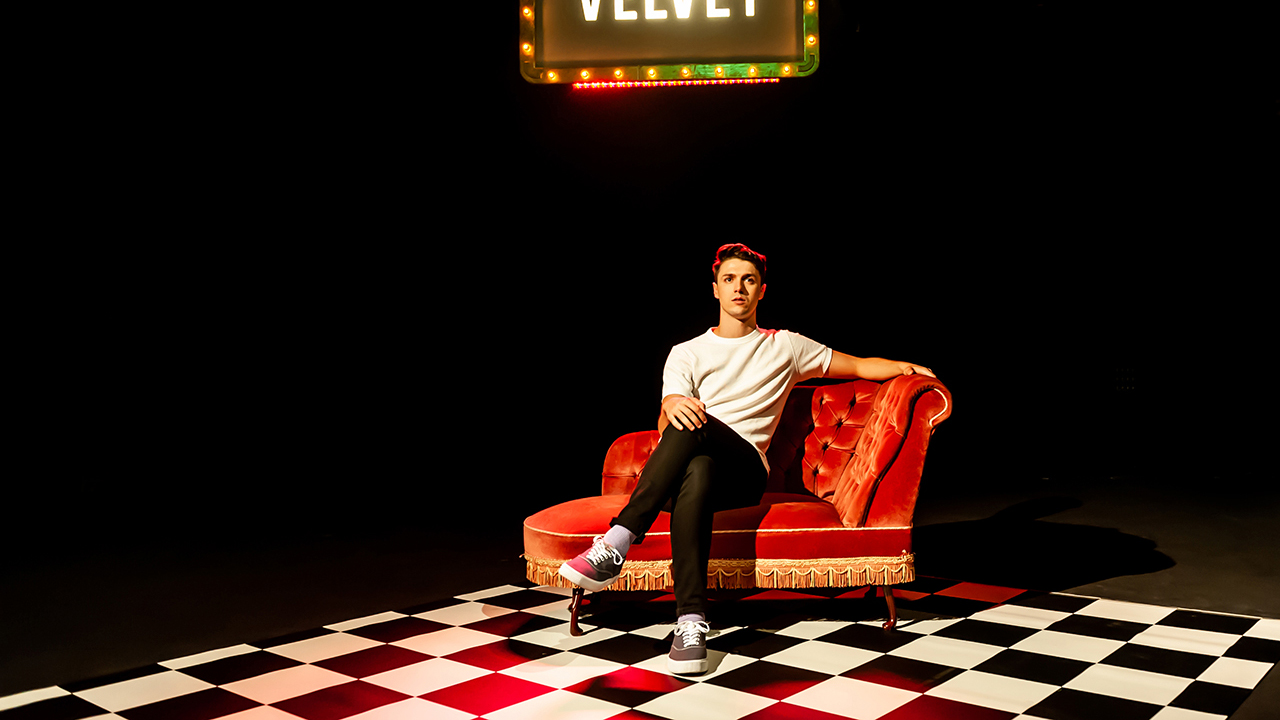 Velvet - Tom Ratcliffe production photo by Lidia Crisafulli